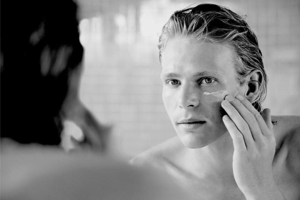 How to use moisturiser for men.